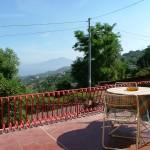 particolare terrazza con Vesuvio sullo sfondo